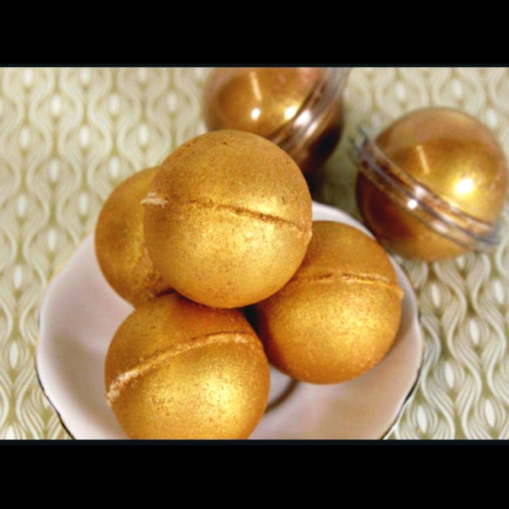 Golden Ray Bath Bomb - The Crystal Cavern