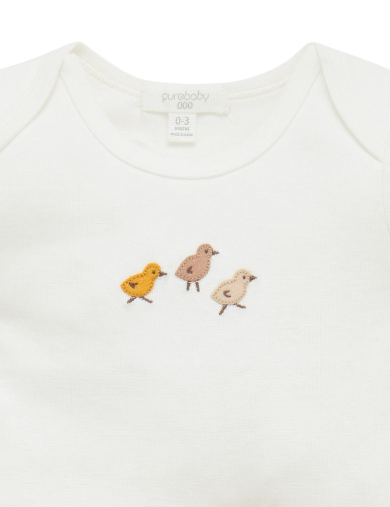 white baby t shirt with three chicks on the chest