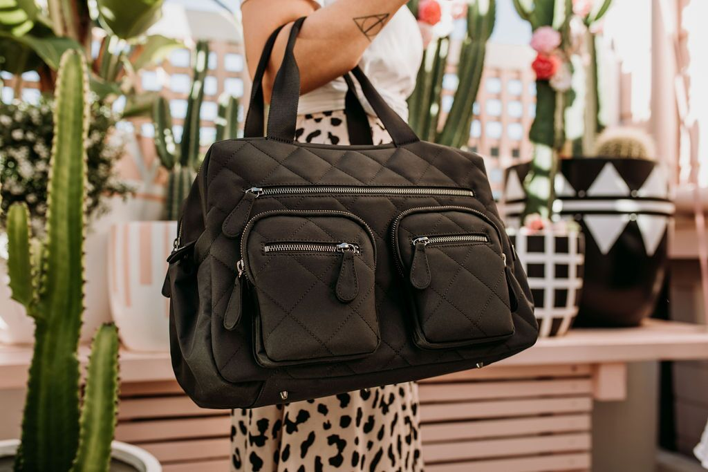 black quilted carry all nappy bag voted best nappy bag in Australia