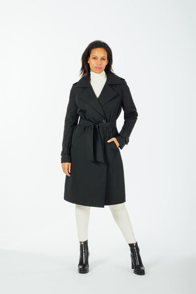 Minimalist trench with detachable quilted liner
