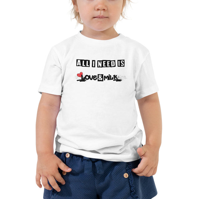T-shirt - ALL I NEED IS LOVE AND MILK - 3 à 5 ans