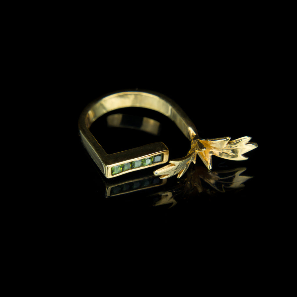 Designer Ring in 9K Gold with Green Tourmalines and Leaves