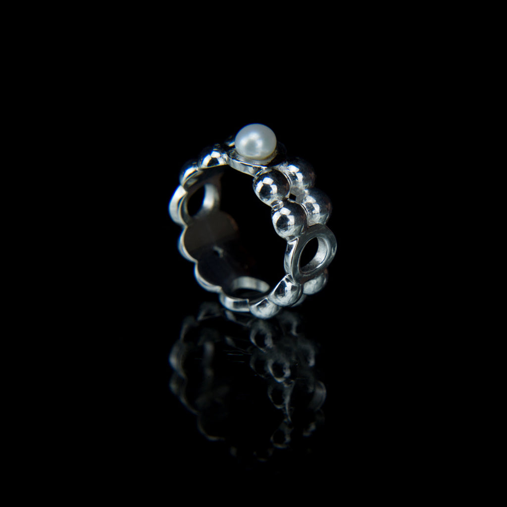 Geometric Designer Ring in 9K White Gold with a Fresh water Pearl
