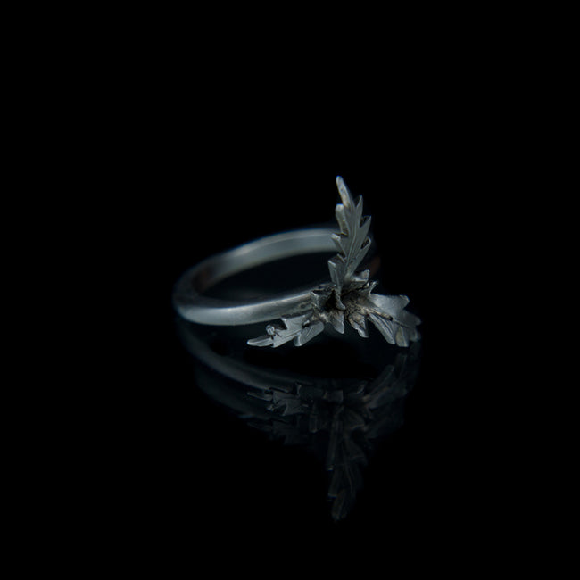 Designer Ring in Black Rhodium vermeil on 9K Gold with leaves
