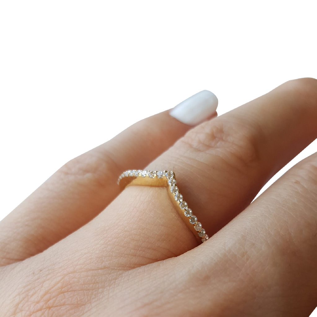 Diamond Chevron Stackable Ring, chevron 0.21ctw Diamond Band, Chevron Diamond Band, V Diamond Ring, Curved Diamond Ring, Chevron Shaped Diamond Band