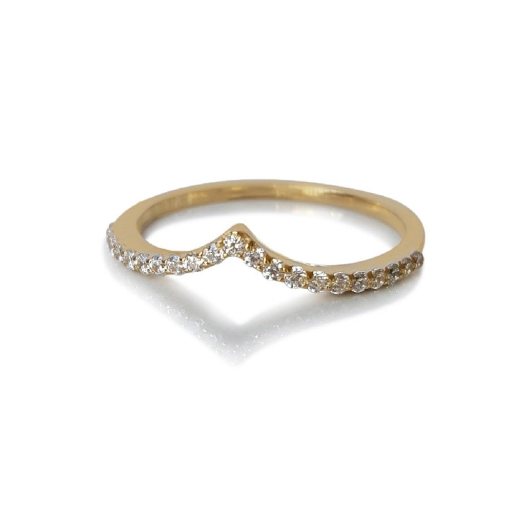 Diamond Chevron Stackable Ring, stackable Diamond Band, Chevron Diamond Band, V Diamond Ring, Curved Diamond Ring, Chevron Shaped Diamond Band