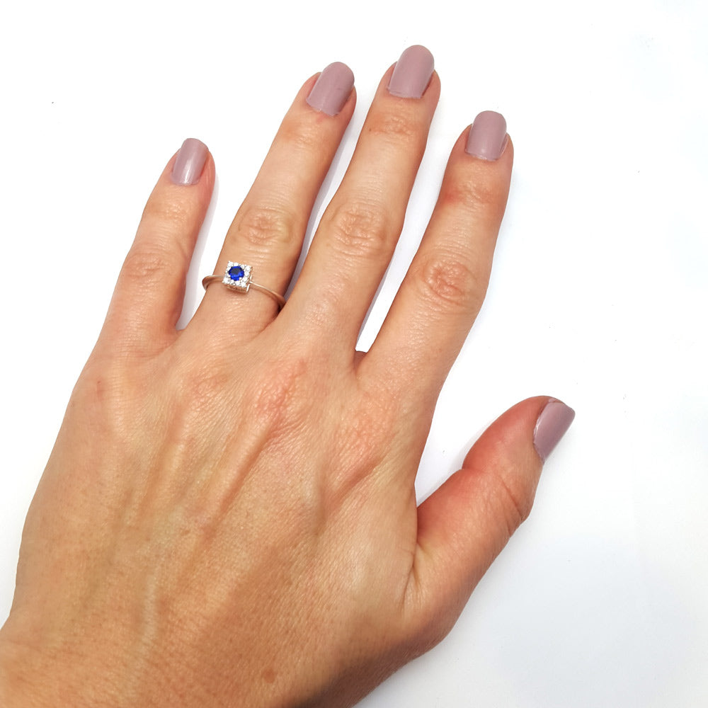 Round Sapphire Halo Diamond Ring in 14k Gold