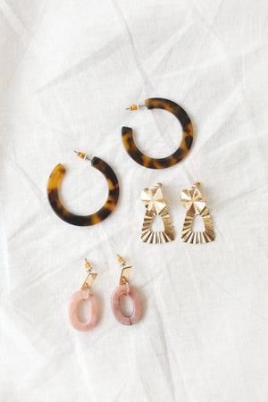 wild rina wildrina.com womens boutique gold earrings dainty jewelry accessories tortoise earrings pink acryrlic set
