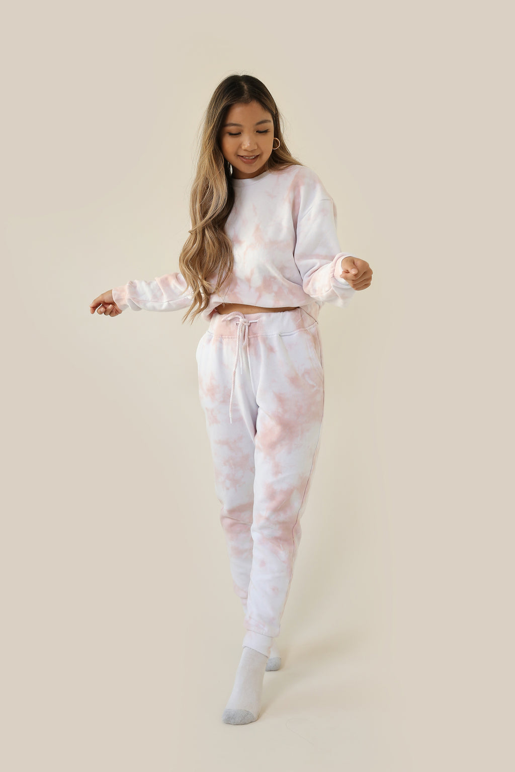 wild rina wildrina.com mauve pink dark blush tie dye matching set sweatpants jogggers sweats sweatshirt sweater crewneck loose comfy loungewear
