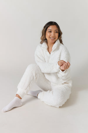 wild rina wildrina.com sherpa white soft fuzzy cozy fur two piece sweat pants sweatpants set pullover sweater