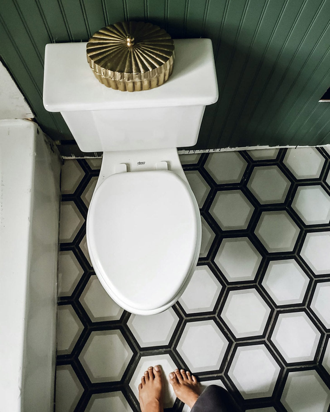 Best Colors for a Small Bathroom