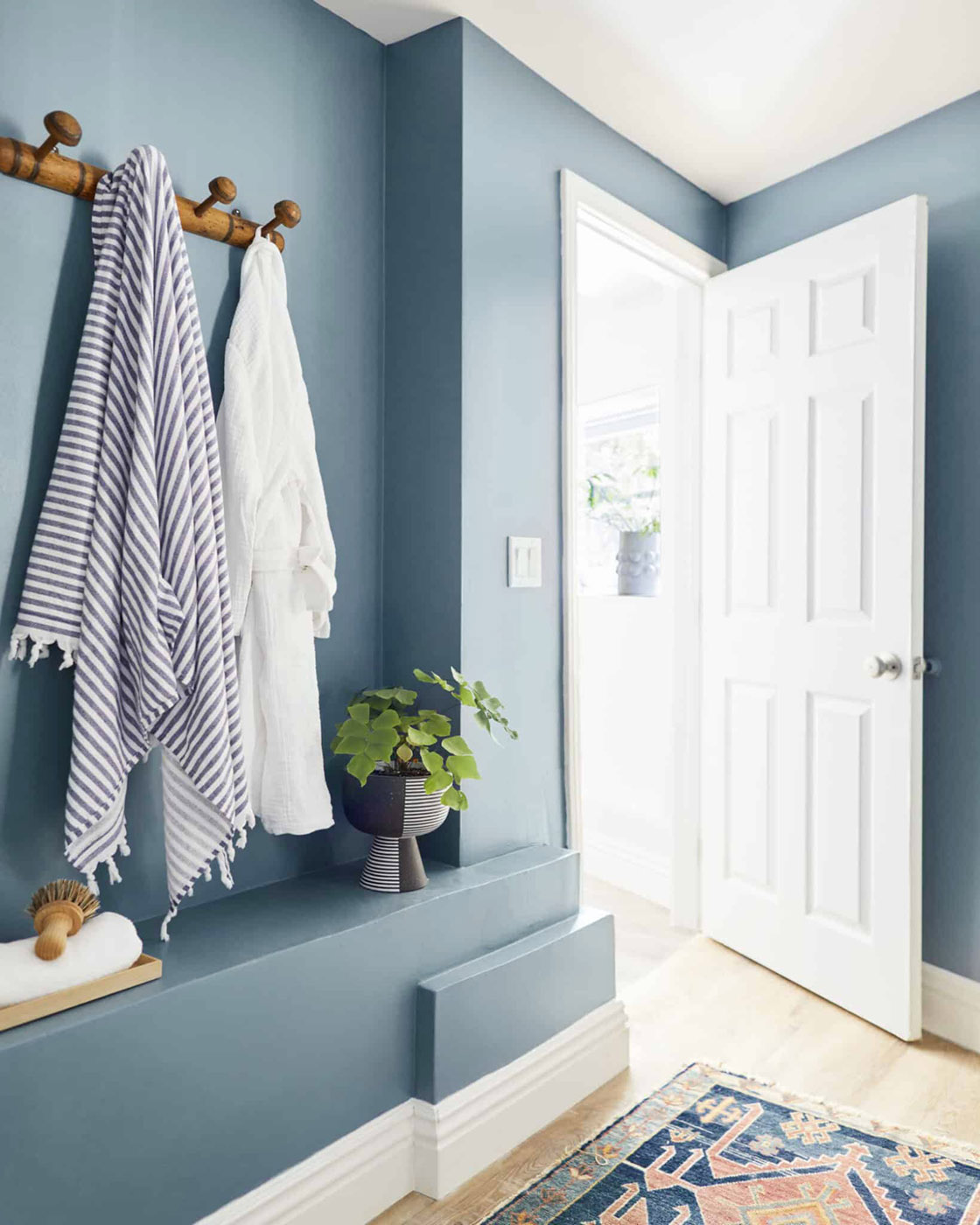 Easy DIY To Add a Pop of Color To Your Bathroom