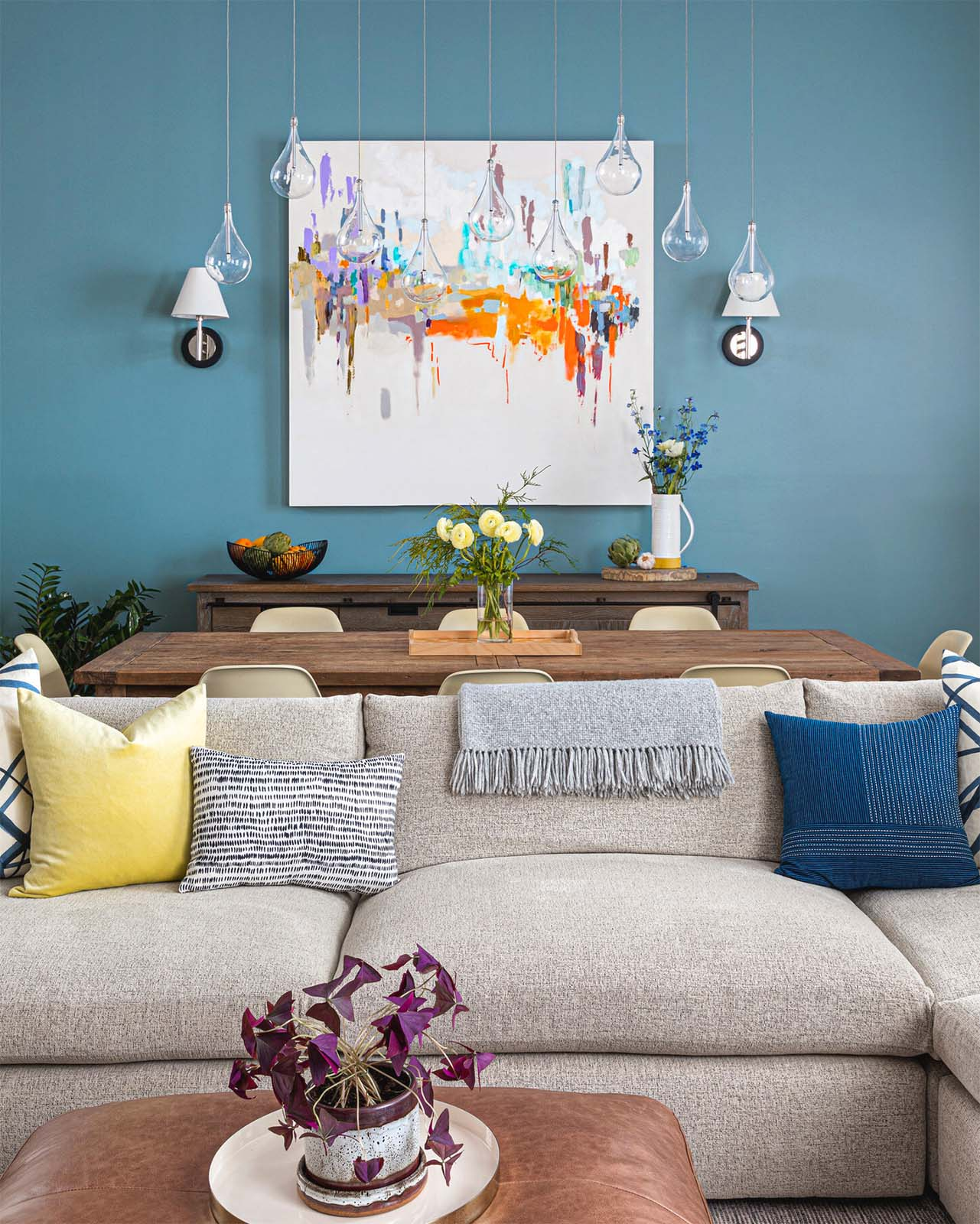 Blue accent wall | living room design