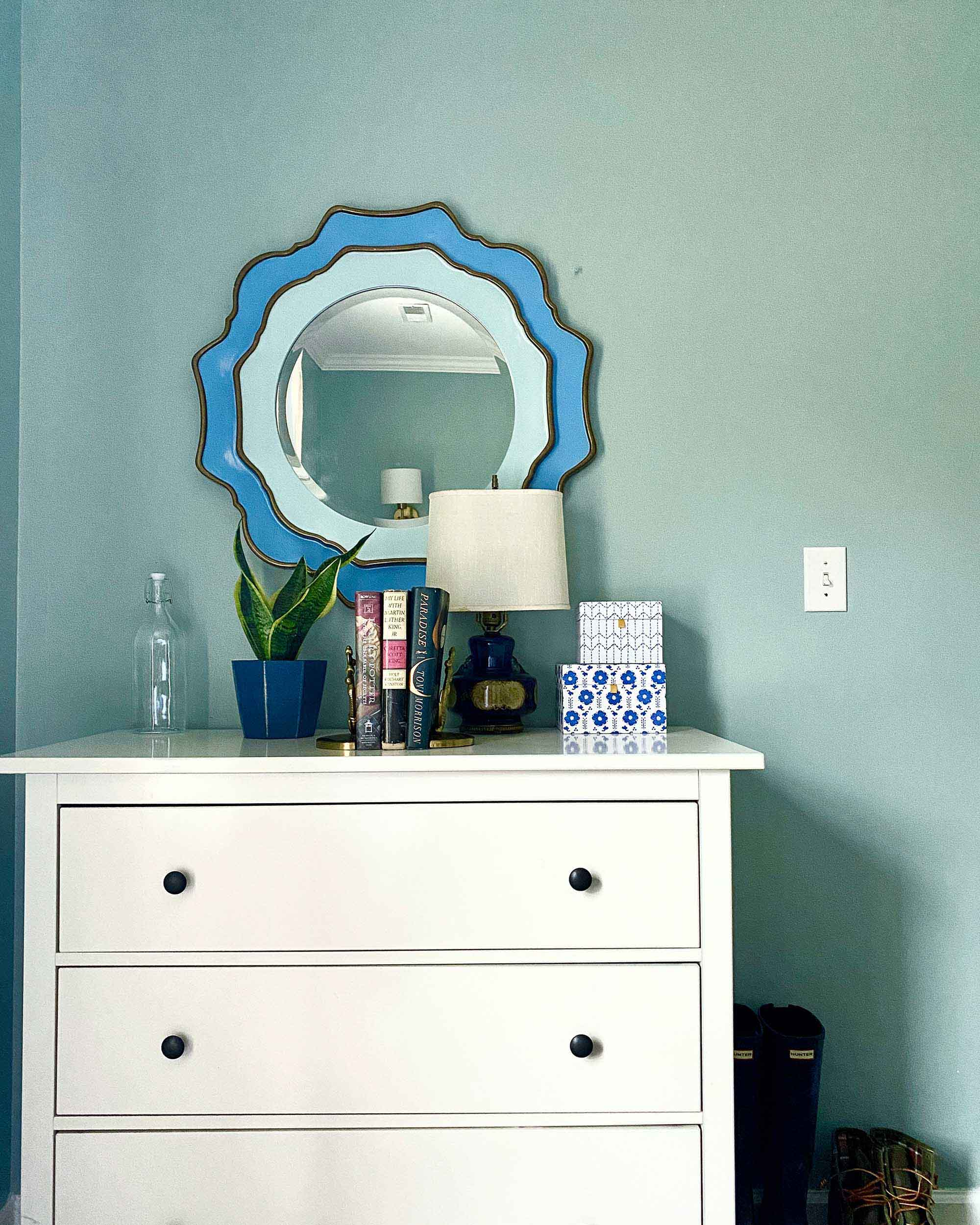 Making A Small Room Larger With Paint