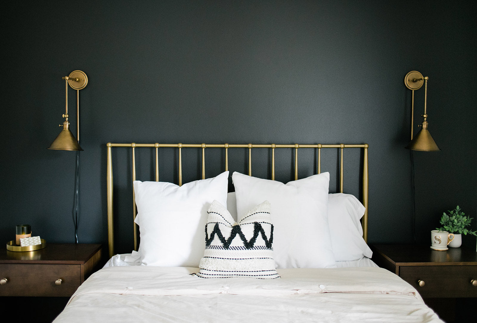 Black Accent Wall In Guest Room