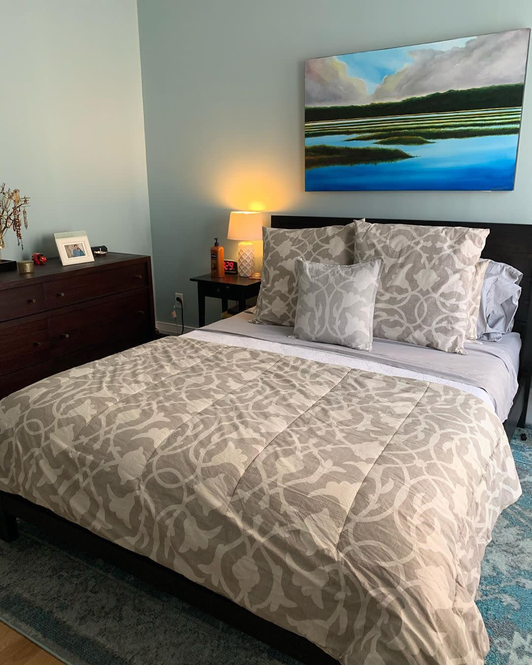 Relaxing Blue Bedroom Makeover