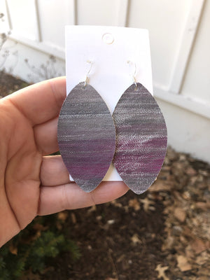 Gray and Pink Brushstroke Marquis