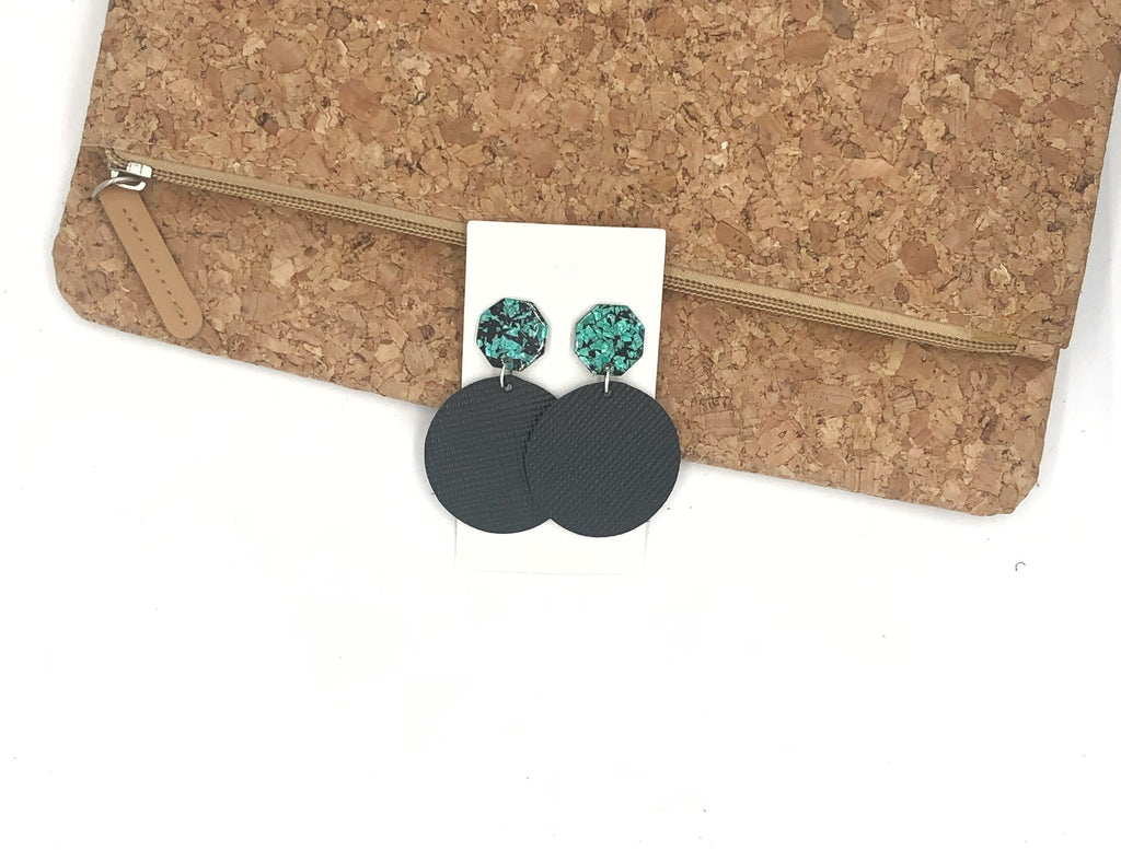 Black Disc with Green Glitter Posts