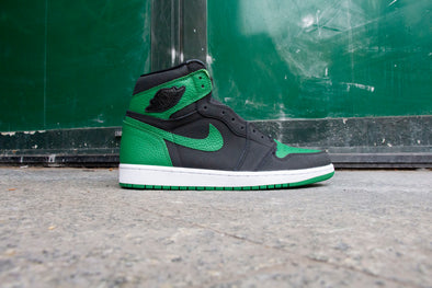 "Air Jordan 1 High OG ""Pine Green"""