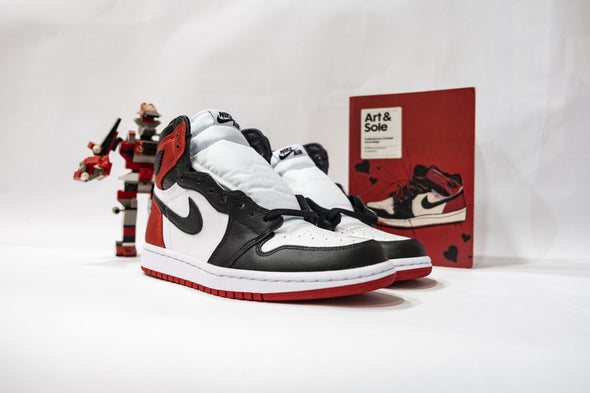 "Air Jordan 1 High OG ""Satin Black Toe"""