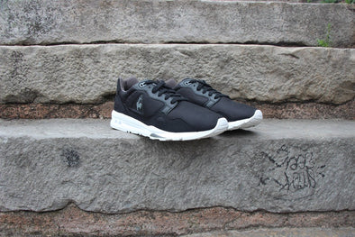 R9000 Monochrome Pack