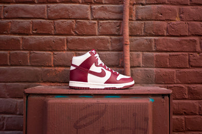 "Nike Dunk High ""Team Red"""