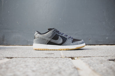 Nike Dunk SB Dark Grey Black Gum