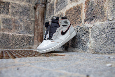 "Nike SB x Air Jordan 1 Light Bone ""NYC to Paris"""