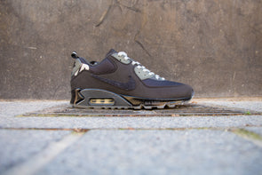 "Nike Air Max 90 x Undefeated ""Anthracite"""