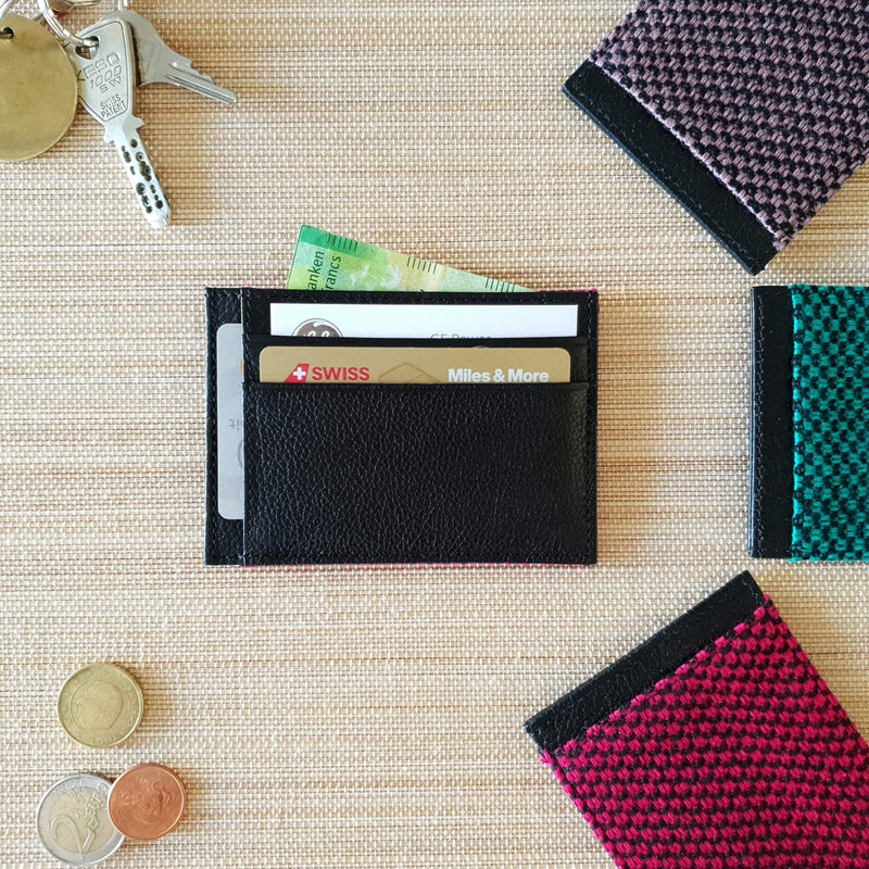 products/Card-holder-wallet-with_cards-bills.jpg