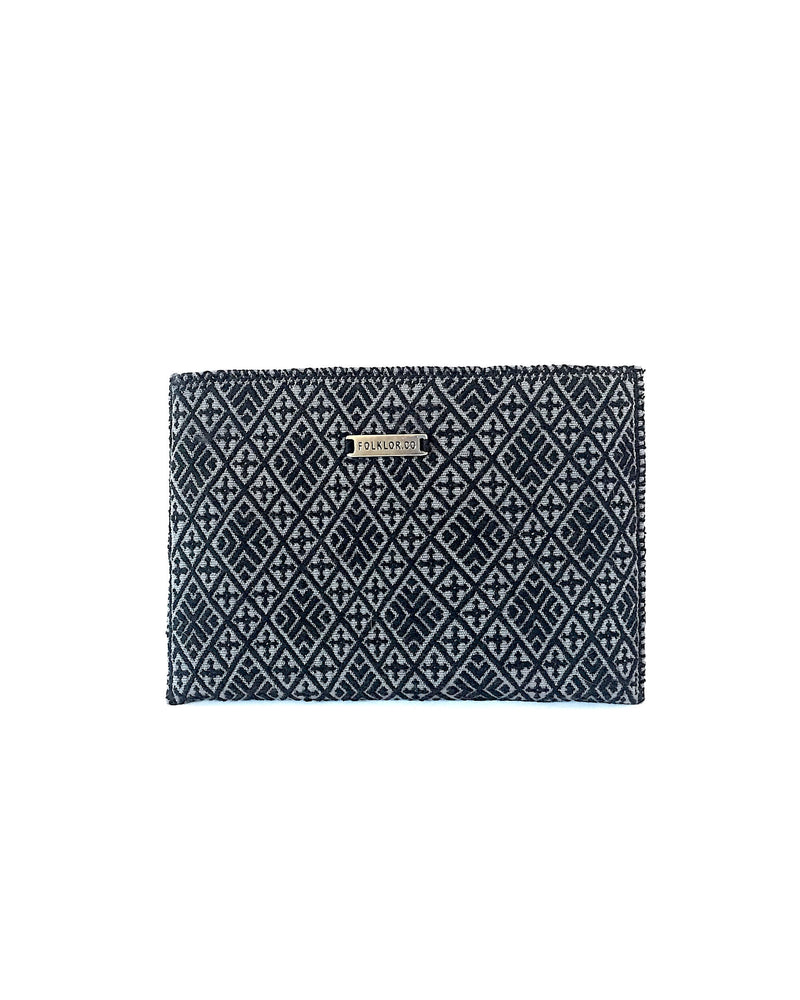 products/Folklor_iPad_Textil_Case_Black_Grey_front.JPG