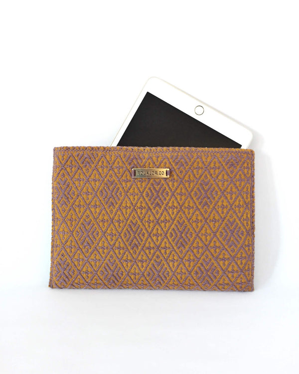 Folklor iPad Textil Case Gold & Plum handmade with gemotric brocades view with ipad