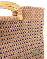 I-XU Wood Handle Tote bag in pink with blue detail view