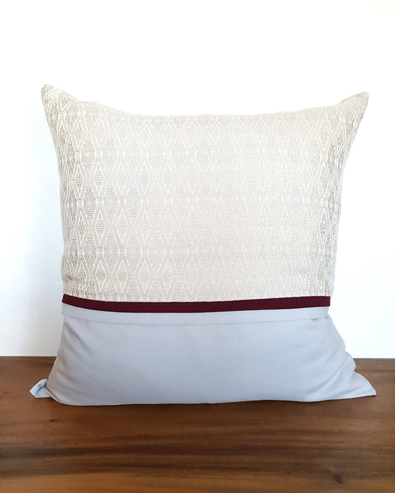 products/Ivory-Decortive-Pillow-Texture.jpg
