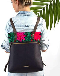 Lady wearing the Maka Clavel backpack