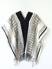 Taabal Black & White Poncho long position