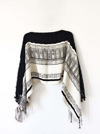 Taabal Black & White Poncho short position