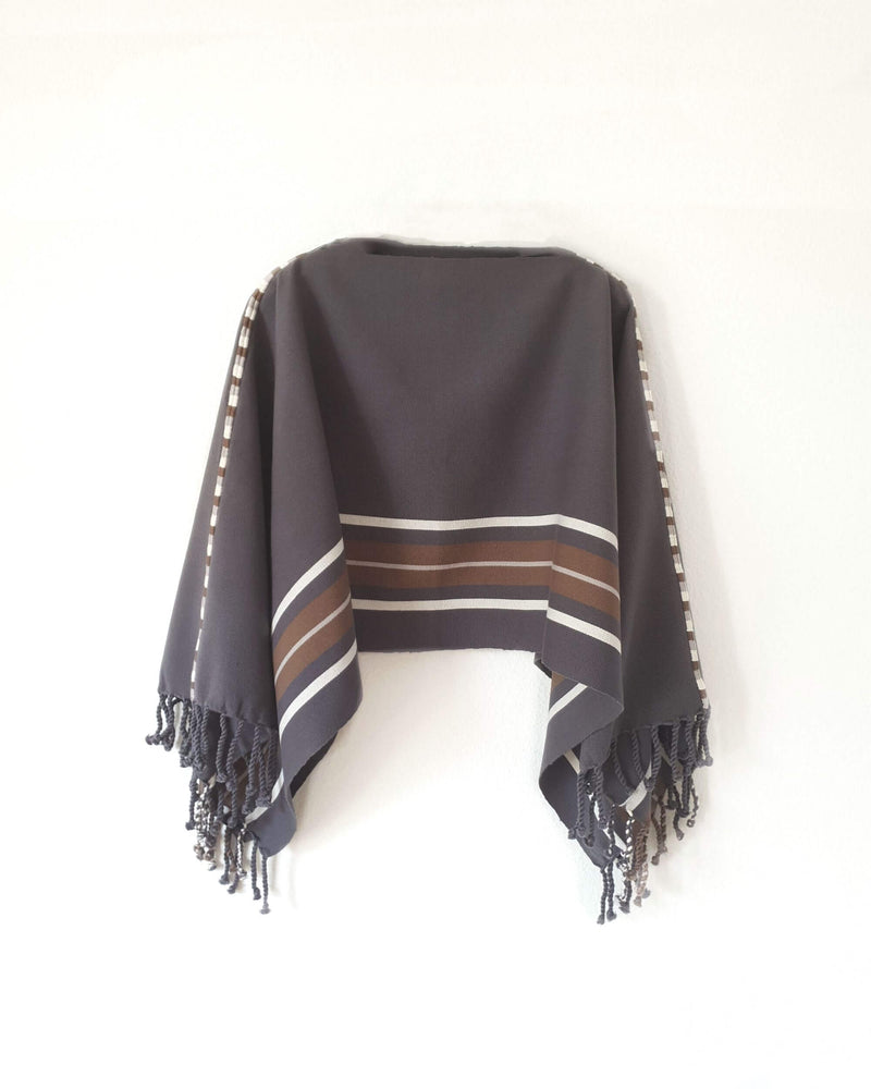 products/Taabal_Classic_Grey_Poncho_side_view.jpeg