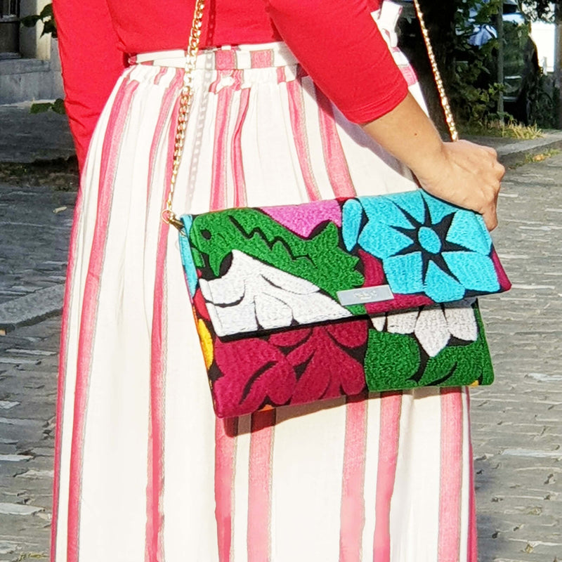 products/cross-body-bag-flowers-outfit_b8ca072a-9737-43d2-b373-6a6553b76915.jpeg