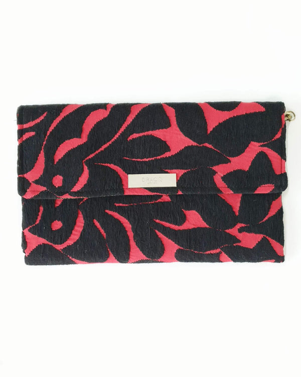 Embroidered flowers clutch bag Red & black