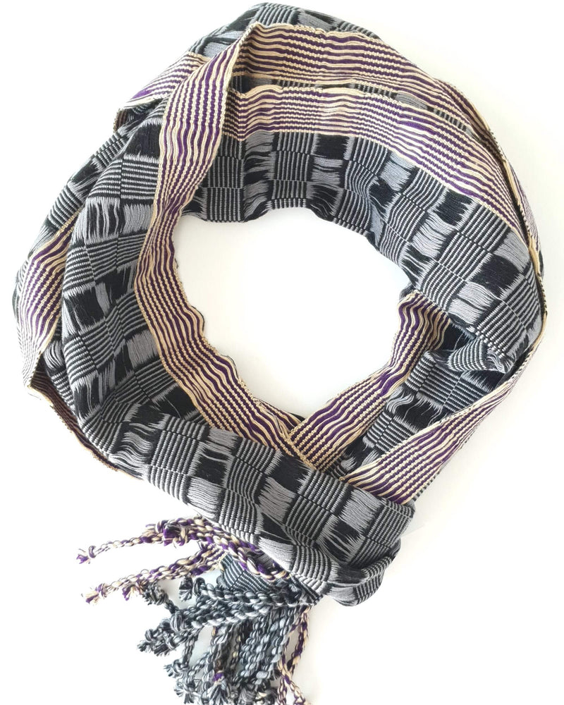 products/handmade-scarf-gold-black.jpg