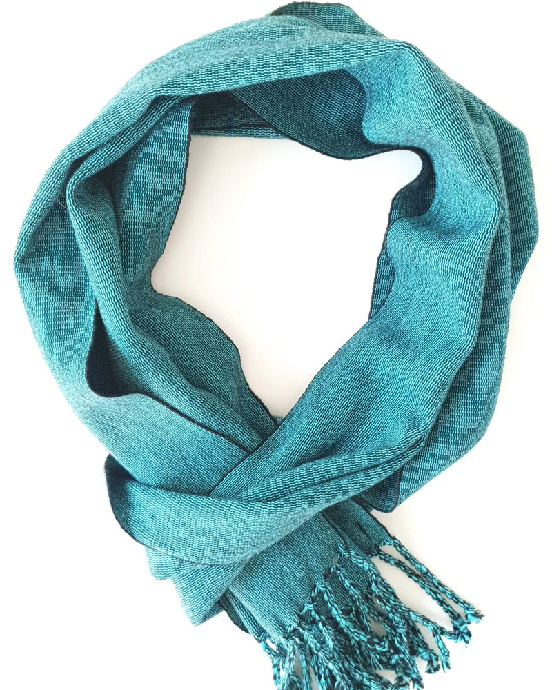 products/handmade-scarf-turquoise.jpg