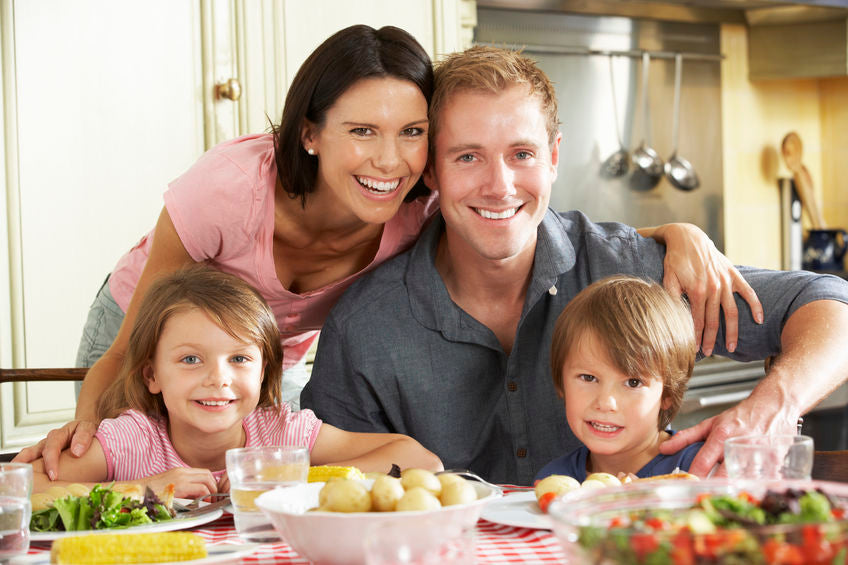 Family Dinner. Why is so important? - Facts and tips for organizing family dinners