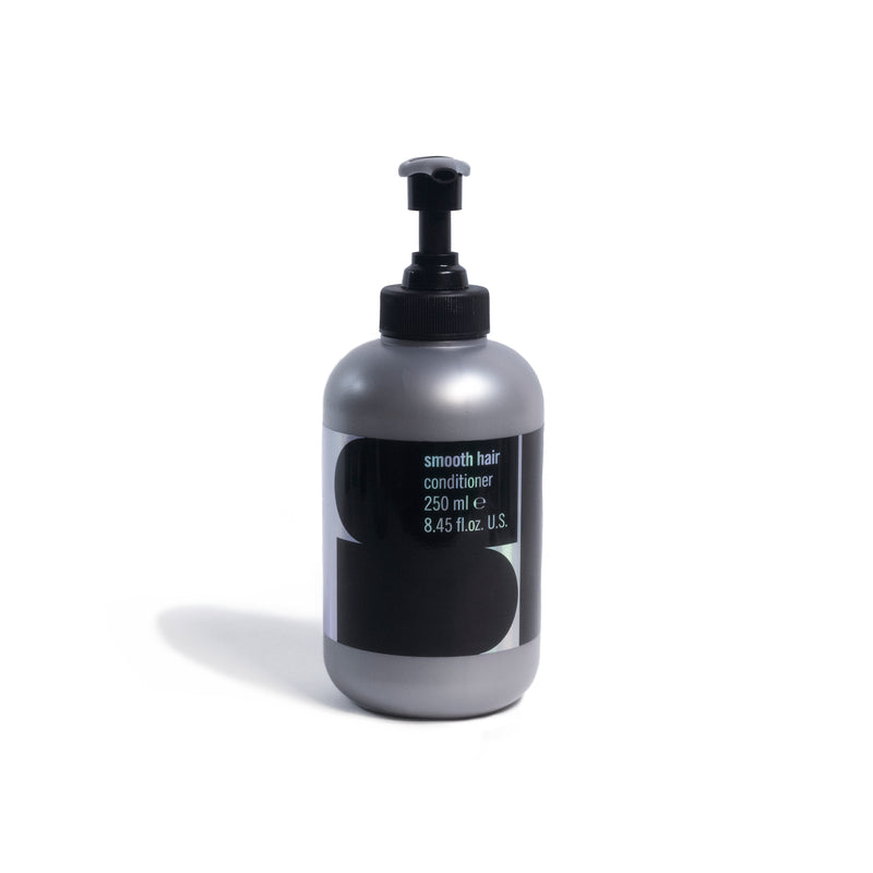 products/TheStandard_Davines_Retail4-SmoothHair250ml.jpg