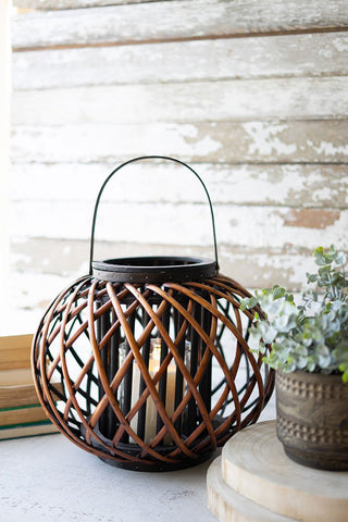 Large Low Round Brown Willow Lantern With Wooden Handle