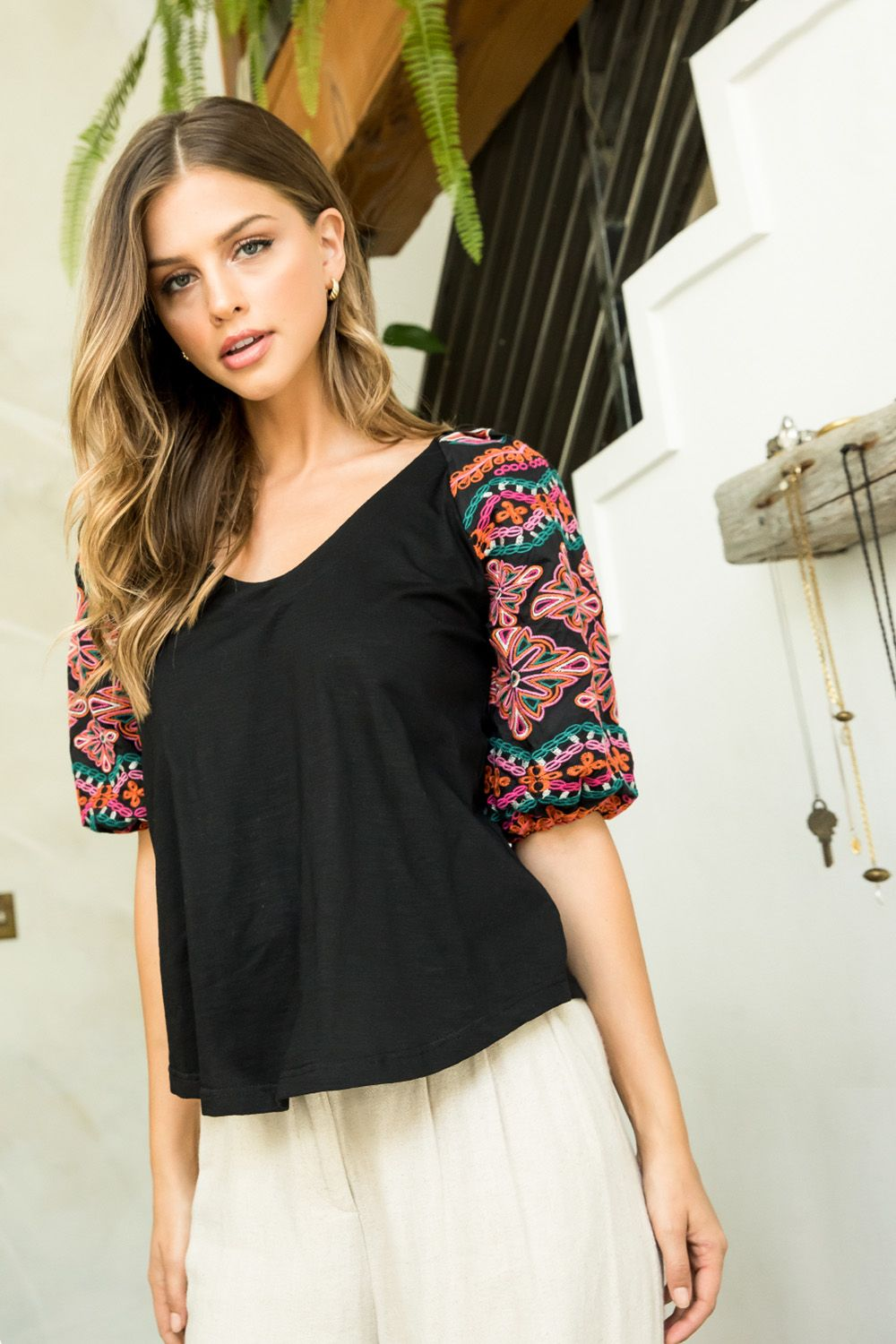 Embr. Puff Sleeve Top