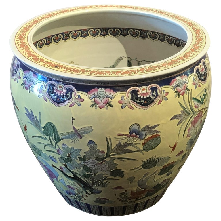 Large Chinese Export Yellow and White Porcelain Jardiniere or Pant Pot