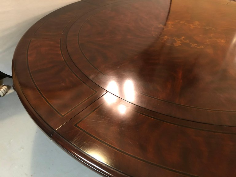 Georgian Style Circular Expanding Dining Room Table Having an Inlaid Top