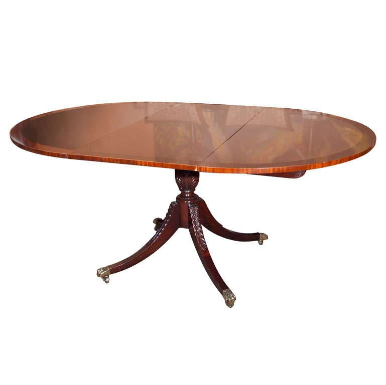 Fine Flame Mahogany Circular Dining Room Table