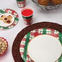 "7"" Christmas Plaid Paper Plate 16 Count (Case Qty: 1152)"